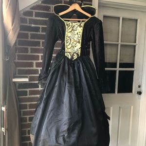 Medieval gothic Victorian ball gown bulk & gold